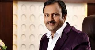 महेश मोतेवारने चोरीच्या पैशातून 'दगडूशेठ'ला दान केलेला दीड किलो सोन्याचा हार 'सीआयडी'ने घेतला ताब्यात