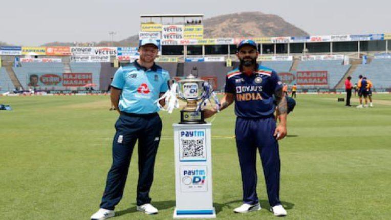 इंग्लंडने प्रथम टॉस जिंकत केली सलग तीन वेळा हॅट्ट्रीक ; कसोटी, टी-२० आणि आता एकदिवसीय मालिकेत टीम इंडियाला हॅट्ट्रीक करण्याची सुवर्णसंधी