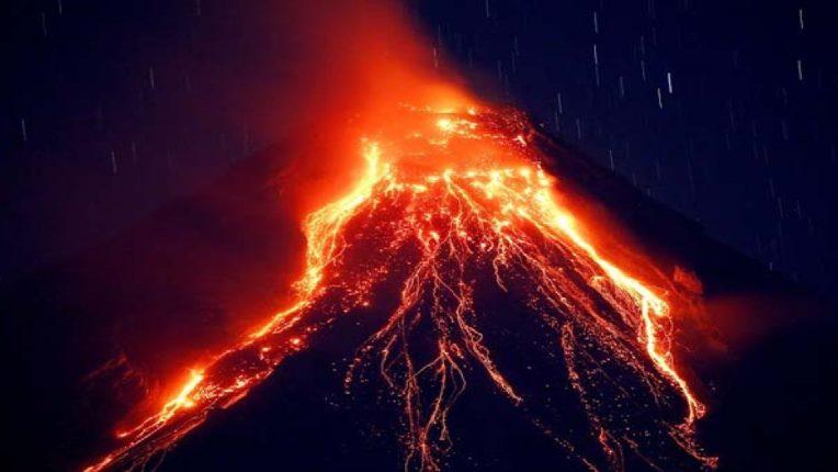 ८०० वर्षांपूर्वींचा धगधगता लाव्हा ; मृत ज्वालामुखीचा पुन्हा एकदा उद्रेक