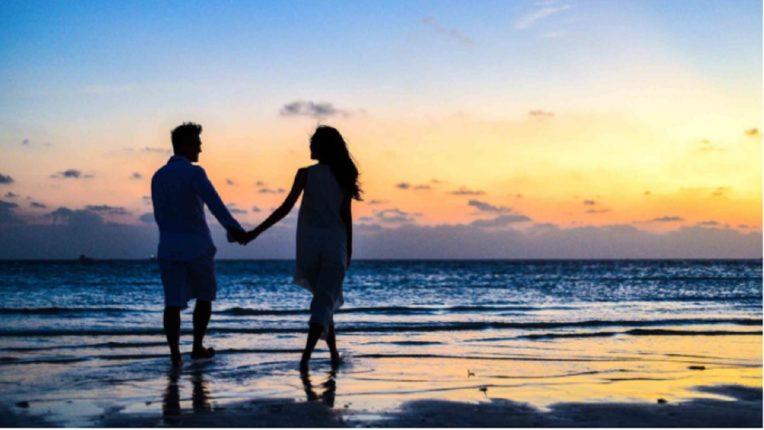 लिव्ह इन रिलेशनशीपमध्ये रहात असाल तरी तुम्ही लग्न करालच असं काही नाही, 'या' जोड्यांवरून झालय हे सिद्ध!
