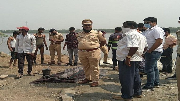 Mansukh Hiren's body was found there. Another body was found there; Excitement once again in the Mumbra Bay area