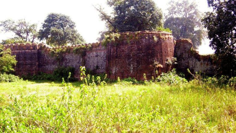 गोंड साम्राज्याचे प्रवेशद्वार उमरेडचा किल्ला