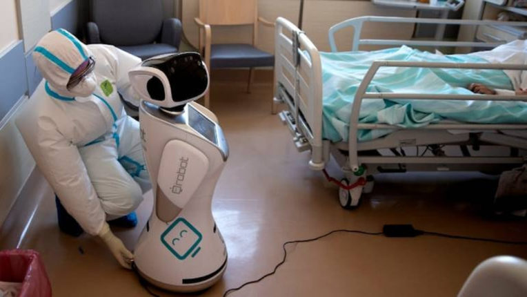 robot to serve corona patient