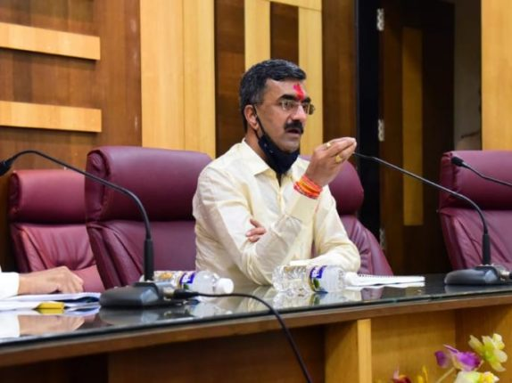 There is no threat to the government, says Minister of State for Home Affairs Shambhuraj Desai ...