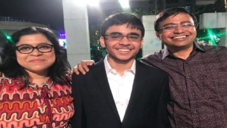 जेईई मुख्य परीक्षेत मुंबईच्या विद्यार्थ्याने मारली बाजी, १०० पर्सेंटाइल मिळवत सिद्धांत अव्वल स्थानी