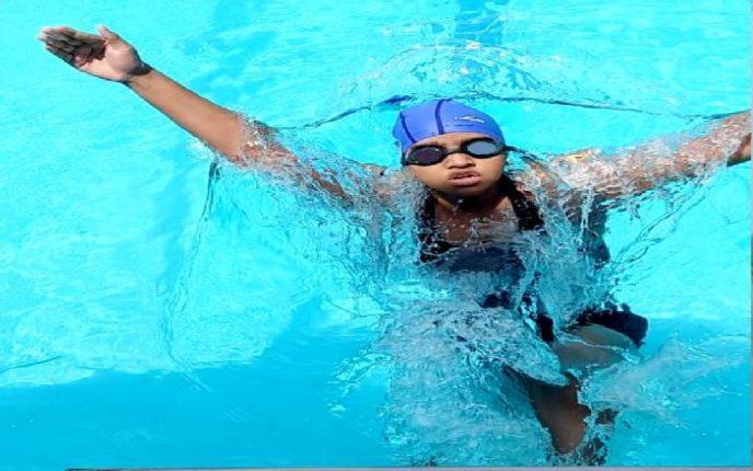 अंध सिद्धी दळवीला जलतरण स्पर्धेत सुवर्ण पदक