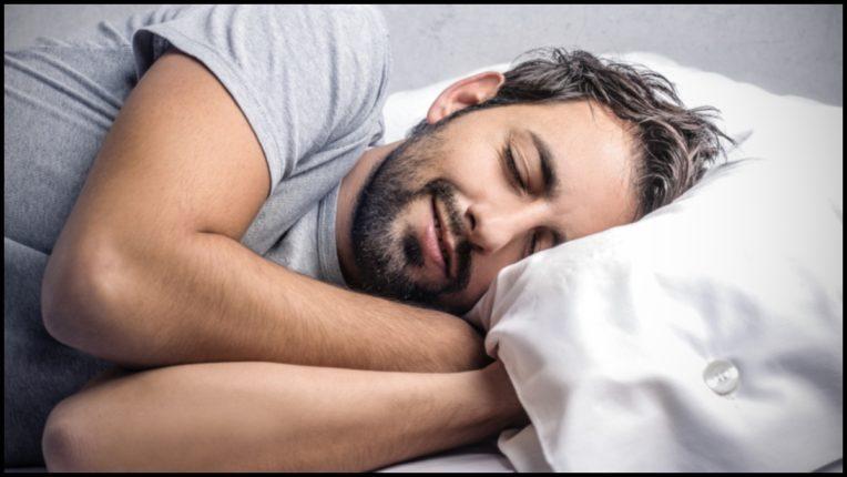 सुखाची झोप घ्यायचीये? करा हे घरगुती उपाय; आठवड्यातून दोन-तीनदा हा उपाय केल्यास अनिद्रा होईल छू-मंतर