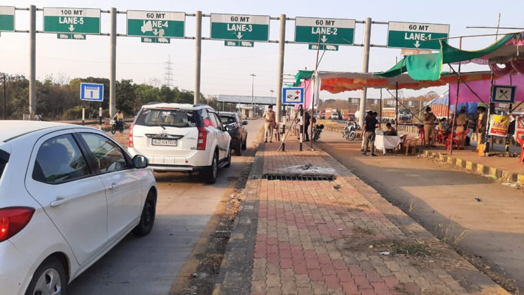 vehicle checking at maharashtra gujrat borcder