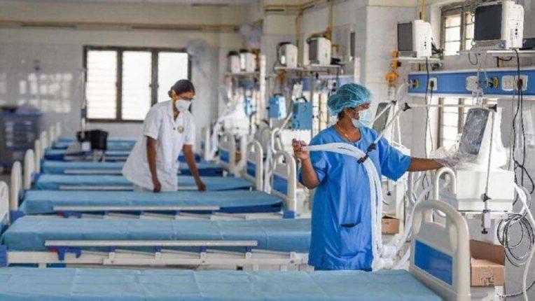 18 जिल्ह्यात होम क्वारंटाईन बंद; कोविड सेंटरची संख्या वाढविली जाणार असल्याची आरोग्यमंत्री राजेश टोपेंची माहिती