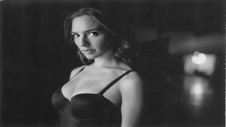 लहान स्तनांमुळं चित्रपटातून निर्मात्यांनी केलं होतं बाहेर, आता आहे वंडर वुमन, अभिनेत्रीने सांगितला धक्कादायक किस्सा!