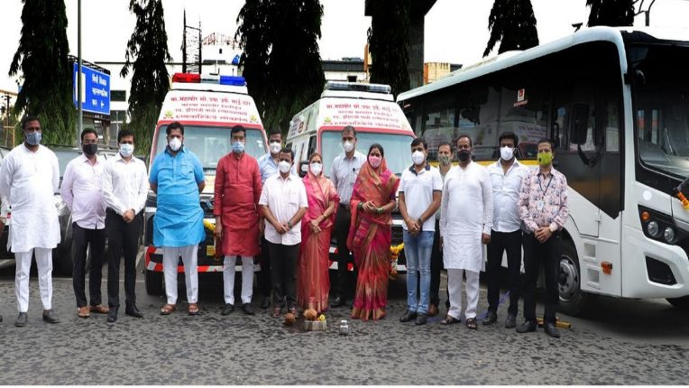 Dedication of two ambulances and a minibus for the blood bank from the mayor's fund
