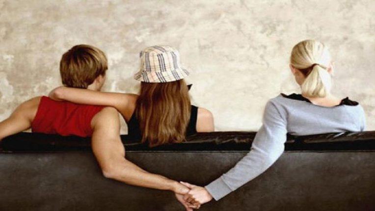 तो रोमिओ एकाच वेळी ३५ गर्लफ्रेंड्ससोबत करत होता मजा ; १ चूक अंगाशी आली अन् पुढे काय घडलं ते तुम्हीच सविस्तर वाचा
