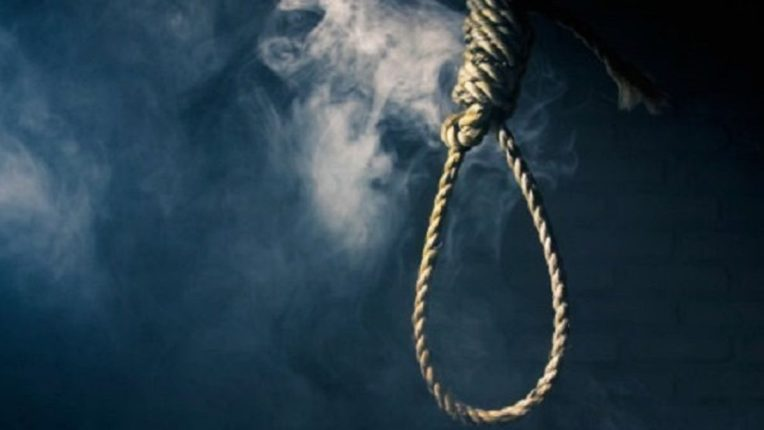 पंढरीत तरुणीची गळफास घेऊन आत्महत्या