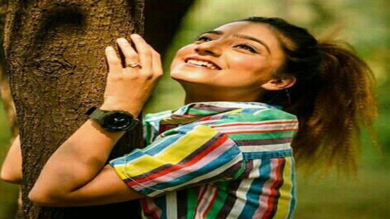 बिग बॅास १५ ची तयारी सुरू, पहिल्या स्पर्धकाचं नाव आलं समोर, ही अभिनेत्री घालणार घरात राडा!