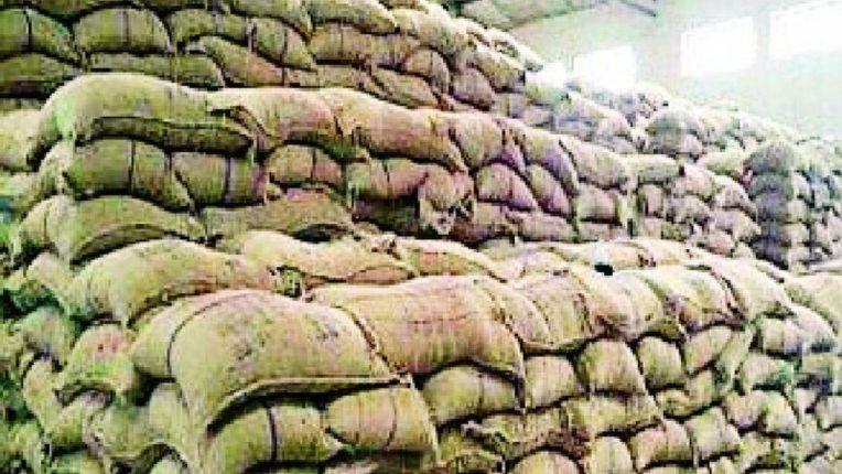 गोदामे फुल्ल, धान खरेदी वांद्यात; शेतकऱ्यांच्या समस्येत वाढ, शासनाच्या भूमिकेकडे लक्ष