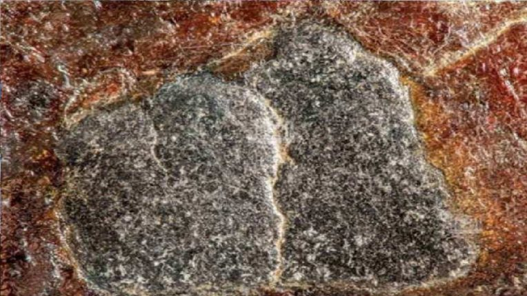 जगासमोर पहिल्यांदाच आले काबा येथील काला पत्थरचे अद्भुत फोटो