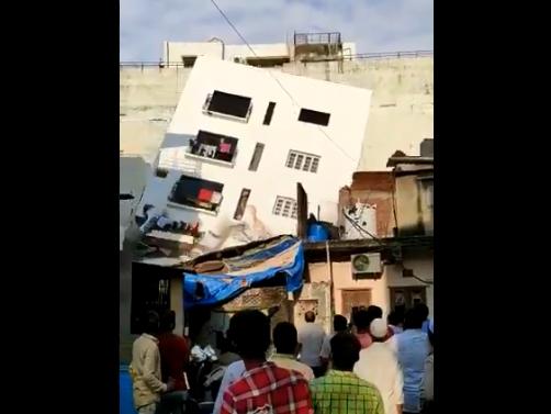 building collapsed in ahmadabad