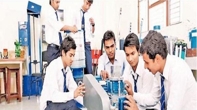 आता हा आनंद मातृभाषेतही, भारतीय भाषेत अभियांत्रिकी शिक्षण प्रशंसनीय