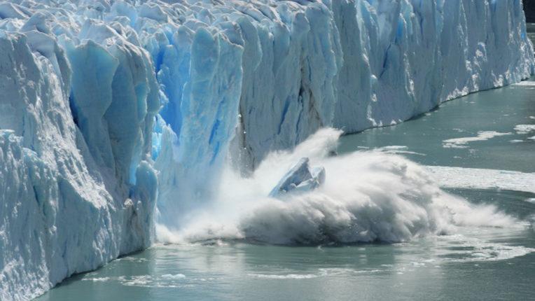 Antartica iceberg melt