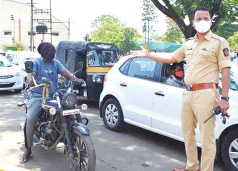 धक्कादायक! कोरोनाग्रस्त रुग्णाची कराडात बाईकवारी ; अचानक घडलेल्या प्रकाराने पोलिस यंत्रणा हादरली