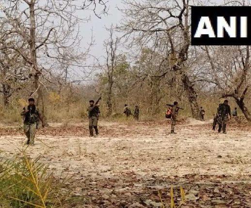 गडचिरोलीत महाराष्ट्र पोलिसांच्या सी-६० युनिटकडून १३ नक्षलवाद्यांचा खात्मा; ६ नक्षलींचे मृतदेह ताब्यात