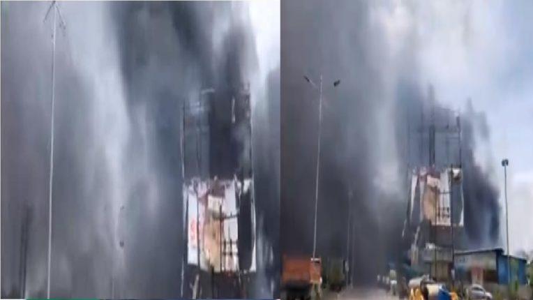 पुण्यात फर्निचरच्या दुकानाला भीषण आग, दुकानाचं कोट्यवधीचं नुकसान