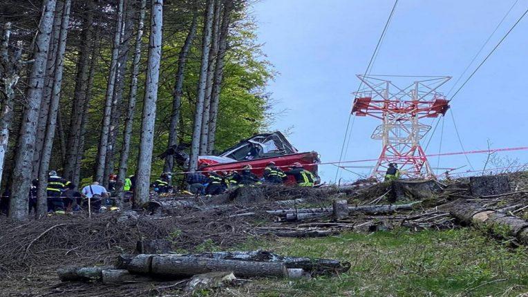 दोन डोगरांमधील रोप वे दुर्घटनेत १२ जणांचा मृत्यू, दोन लहानगे जखमी, इटलीतील स्ट्रैसा शहरातील घटना