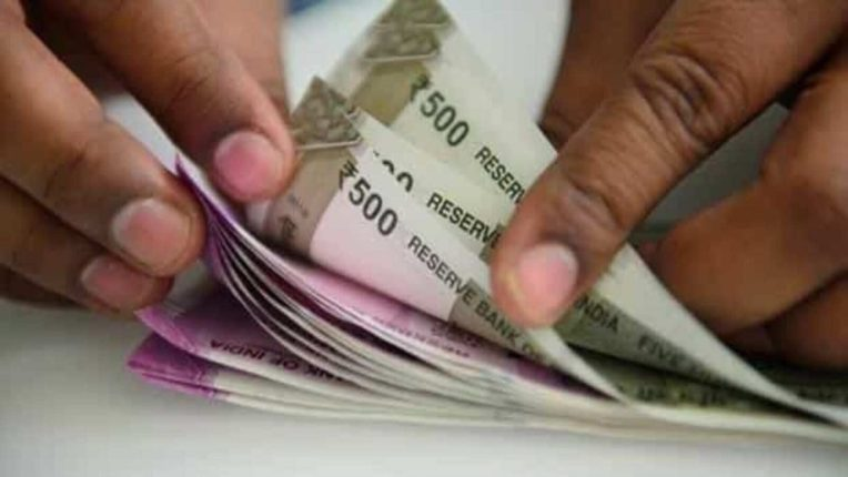 सरकारी कर्मचारी होणार मालामाल, १ जुलैपासून मोठी पगारवाढ, महिन्याचा पगार किती हजारांनी वाढणार?; वाचा सविस्तर