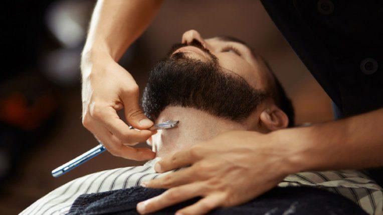 रविवारी नाही तर 'या' दिवशी करा दाढी, केसही कापा; पडेल पैशांचा पाऊस
