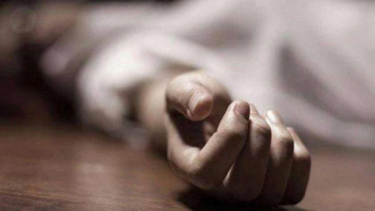धक्कादायक ! दोन लहान मुलांसह वडिलाची आत्महत्या