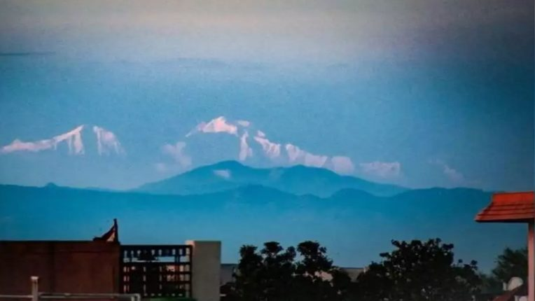 Direct view of the Himalayas from Uttar Pradesh; Lockdown reduces pollution