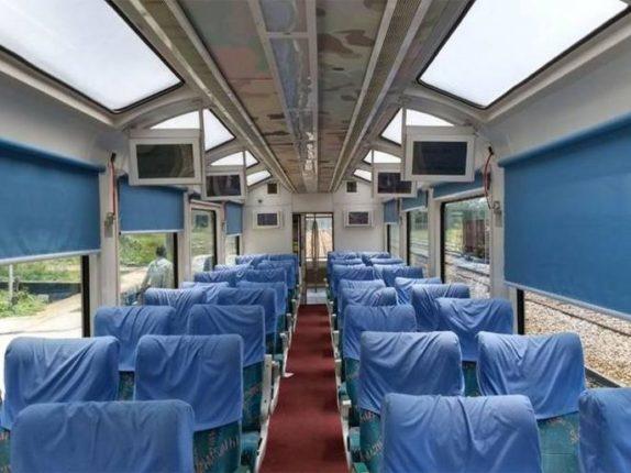 मध्य रेल्वेच्या ताफ्यात विस्टाडोम कोच दाखल ; काचेच्या छतामधून घाटाचे सौंदर्य पाहताना डेक्कन एक्स्प्रेसचा प्रवास आता होणार संस्मरणीय
