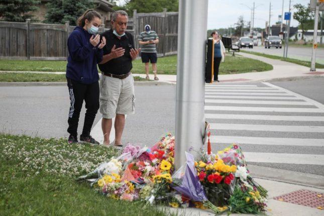 धर्मद्वेषातून कॅनडामध्ये वाहनाखाली चिरडून मुस्लिम कुटुंबाची हत्या ; घटनेत ४ मृत्यूमुखी १ गंभीर जखमी