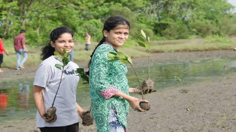 जागतिक पर्यावरण दिनानिमित्त सोलर सिस्टर्स आणि युनायटेड वे मुंबई यांना फेडेक्स प्रायॉरिटी अर्थ ग्रांट डे प्रोग्रामअंतर्गत प्रत्येकी ५०,००० डॉलर्सचे दान