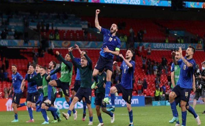 इटलीची ऑस्ट्रियावर मात, उपांत्यपूर्व फेरीत मारली धडक ; २-१ने केला पराभव