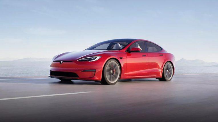 जगातील सर्वात वेगवान कार बाजारात, १५ मिनिटांच्या चार्जिंगवर 300 KM रेंज ; जाणून घ्या दमदार फिचर्स