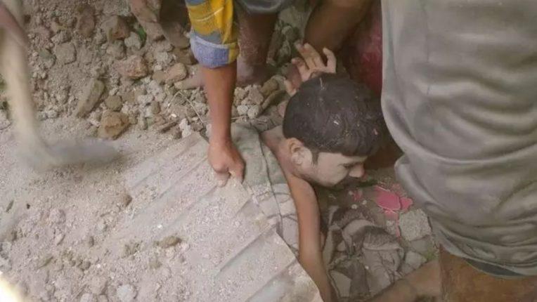 झोपेतच कुटुंबावर कोसळली शाळेची भिंत, ९ जण ढिगाऱ्याखाली दबले; अमरावती जिल्ह्यातील घटना