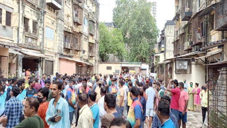 Big movement of police families in Aditya Thackeray's constituency; MNS's written support for the fight