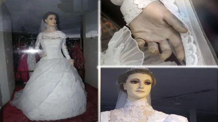 गेली आठ दशके शोरूममध्ये बंद आहे ही नववधू, विवाहादिवशी अचानक झाला होता मृत्यू; रात्री ही मूर्ती जागा बदलते