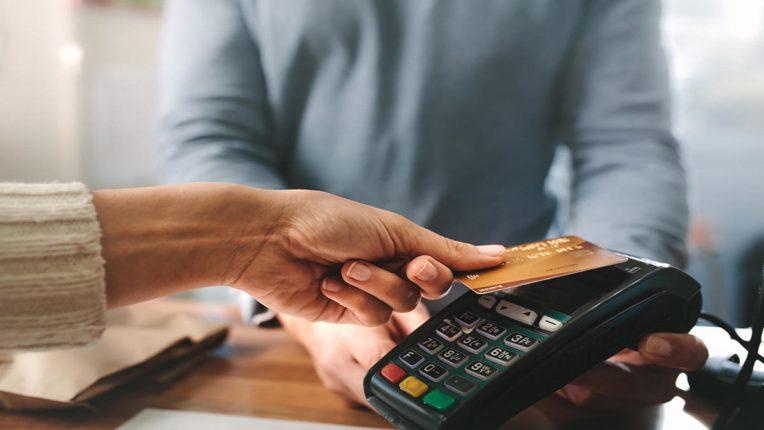 नवीन डेबिट कार्ड घेतलंय पण 'या'विषयी माहिती नसेल तर आवर्जून ही बातमी वाचाच