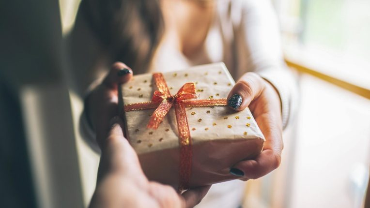 Give these items as a gift by mistake; Not at all to a close person