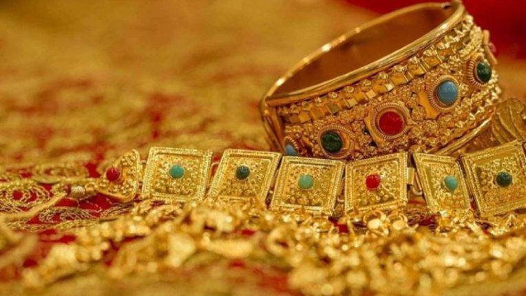 9000 रुपयांनी स्वस्त झालं सोनं, एका क्लिकवर तपासा प्रति तोळ्याचा भाव