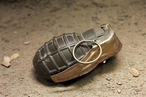 जम्मू-काश्मीर त्राल येथे बसस्टँडवर ग्रेनेड हल्ला, ७ जण जखमी; शोधमोहिम सुरू