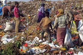 जीवधोक्यात घालून काम करणाऱ्या ३५०० हजार कचरावेचकांकडे प्रशासनाचे दुर्लक्ष
