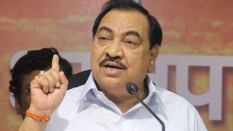 दिल्लीत केंद्रीय मंत्रिमंडळात फेरबदल होत असताना महाराष्ट्रातल्या बड्या नेत्याच्या नशीबाचे फिरले फासे, एकनाथ खडसेंना ईडीने 'असा' दिला दणका