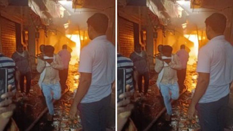 धुळ्यातील मार्केटला भीषण आग ; आगीत ४० दुकाने जळून खाक