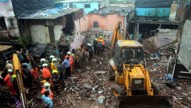 Malad accident; 9 killed in same house