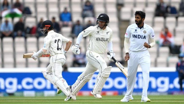 टीम इंडिया आणि न्यूझीलंडच्या पाचव्या दिवशीच्या खेळाला सुरूवात , केन आणि टेलरची जोडी मैदानात
