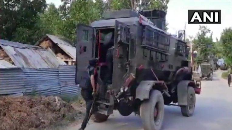 पीएम मोदींच्या बैठकीच्या पूर्वसंध्येलाच काश्मीर खोऱ्यात दहशवादी सक्रीय झाल्याची माहिती ; एकाच दिवसांत तीन हल्ले