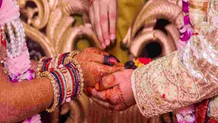 नवरीचा चेहरा पाहून लग्नाच्या मांडवातून पळाला नवरदेव, नंतर काय घडलं ? : वाचा सविस्तर